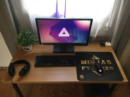 Gaming Pc Desk by 66 Best Battlestations Images On Pinterest Pc Setup Desk Setup