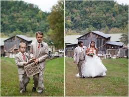 Barn Wedding Tennessee Barn Wedding In East Tennessee Smoky Mountains Bride Link