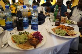 wedding food on a budget how to keep your wedding catering budget low