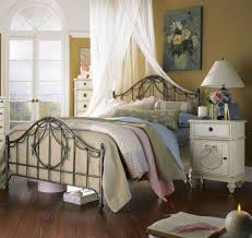 White Rustic Bedroom Ideas Vintage Rustic Bedroom Decor Cream Gold King Bed Striped Pattern