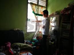 Cermin Tingkap Nako ingatkan hantu rupanya pencuri semasa sinar harian