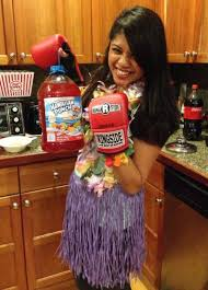Funny Halloween Costumes For Adults 30 Easy Halloween Costumes To Win Halloween On The Cheap