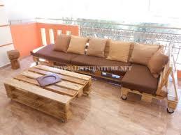 canapé en palette avec dossier canapé de terrasse faite avec palettesmeuble en palette meuble