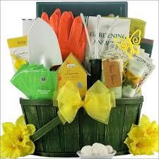 garden gift basket gardening gift gardening gift basket gardening gifts for uk