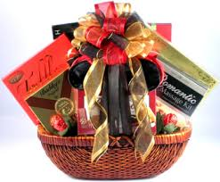honeymoon gift amazing gift for wedding 1000 ideas about honeymoon basket
