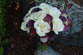 purple calla lilies and plum and calla wedding bouquet destination
