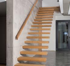 stufen treppe kragarmtreppen fhs treppen treppenhersteller für fachkunden