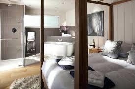 chambre avec bain chambre parentale avec salle de bain amenagement chambre parentale