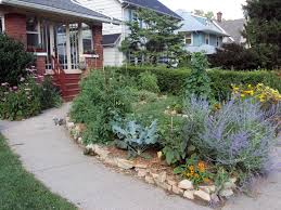 Best Vegetable Garden Layout by This Is A Beautiful Front Yard Garden Interesting Article On