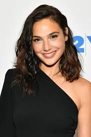 long hair cutting style for female images gal gadot hairstyles u0026 makeup celebrity beauty wonder woman