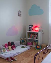 pochoir chambre fille pochoir chambre enfant des photos etape nuages et étourdissant bebe