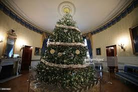 the white house is decorated for the 2016 season photos