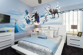 deco chambre reine des neiges déco chambre enfant sur le thème de la reine des neiges