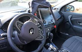 renault kadjar automatic interior 2016 renault laguna estate spied in france u2013 photo gallery
