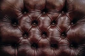 nettoyer canapé simili cuir comment nettoyer un canapé en cuir avec la teinturerie