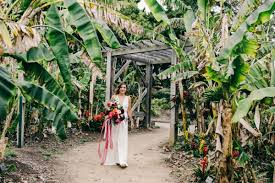San Diego Botanical Gardens Encinitas Stylish And Colorful California Wedding At The San Diego Botanic