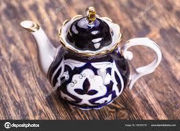ustensiles de cuisine asiatique bouilloire ouzbek ou théière ustensiles de cuisine asiatique