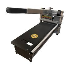 Saw For Cutting Laminate Flooring Roberts Laminate Cutter For Cross Cutting Up To 8 In Wide 10 35