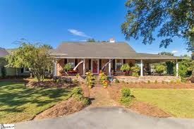 homes near hillcrest high houses for sale in simpsonville