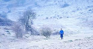uk weather snow set to fall tomorrow as temperatures plummet to