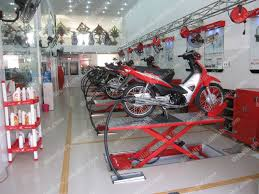 Motorcycle Lift Table by Pneumatic And Manual Hydraulic Scissor Motorcycle Lift Table Buy