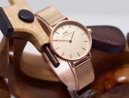 Beda Jam Tangan Daniel Wellington Asli Dan Palsu tips til menarik di situasi casual dengan jam tangan daniel