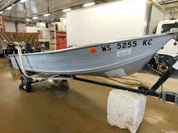 14 u0027 smokercraft aluminum 7 5hp mercury outboard balko trailer