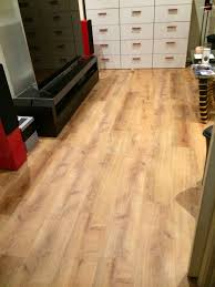 Allure Laminate Flooring Allure Locking 220 Gen 3 Vinyl Plank Flooring Golden Oak Natural