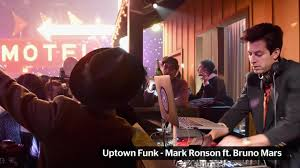 Sofa King Snl by Mark Ronson Being Sued Over U0027uptown Funk U0027 Similarities To Zapp