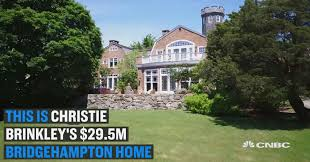 christie brinkley to sell 50 million worth of hamptons real estate