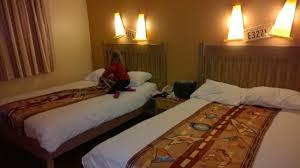 chambre hotel disney la chambre picture of disney s hotel santa fe marne la vallee