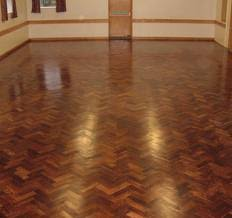 Cheap Solid Wood Flooring Choosing Between Solid Or Engineered Prefinished Hardwood Flooring