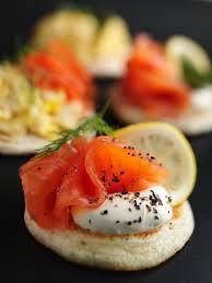 canap au saumon fum et mascarpone recette blinis au saumon fumé et mascarpone notre recette blinis au