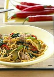 comment cuisiner les nouilles chinoises porc sauté aux nouilles chinoises