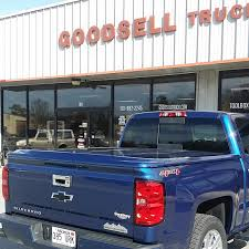 Chevy Silverado 1500 Truck Bed Covers - just install this undercover lux painted truck bed cover for this