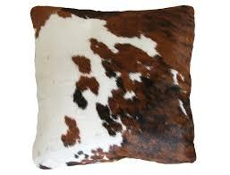 pouf en peau de vache coussin en peau de vache normande double face peaudevache com