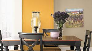 how to choose a paint color for a dining room