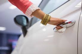 car buying guide woman u0027s guide to car buying 5 tips to empower yourself