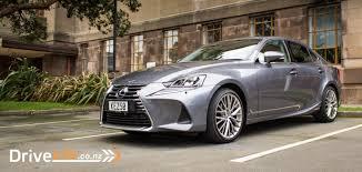 lexus gives 2017 is sedan 2017 lexus is300h limited u2013 car review u2013 smooth silent not so