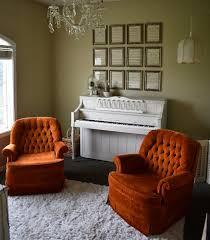 piano makeover with rust oleum chalk paint