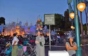 the ins and outs of disneyland dining reservations