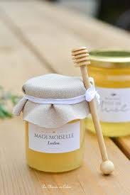 idã e cadeau invitã s mariage cadeau pour les invités les petits pots de miel pot de miel