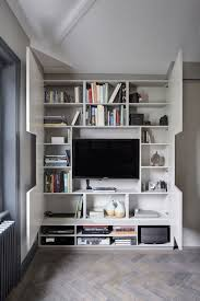 high style low budget in this 750 square foot english flat