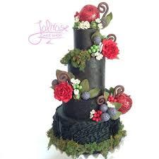 221 best snow white wedding images on pinterest disney cakes