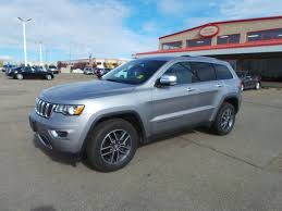 2017 jeep grand cherokee dashboard used 2017 jeep grand cherokee 4wd limited accident free leather