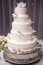 eye catching roundup of astounding wedding cake ideas weddbook
