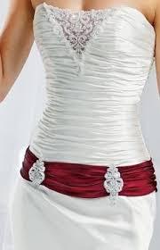 brautkleider rot weiãÿ hochzeitskleid für königinnen weiß mit stickerei und dunkel