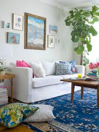 cool ocean themed contemporary sitting space that using boho