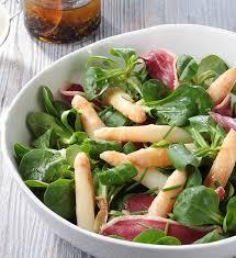 cuisiner asperges salade gourmande magret et asperges recette géant vert