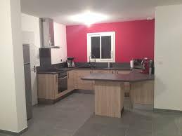 cuisine blanche mur framboise cuisine blanche mur framboise amazing mur couleur framboise avec
